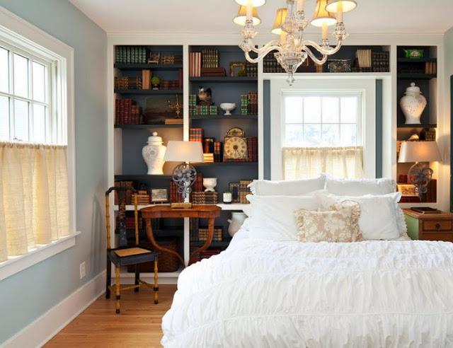 Короткие шторы в спальню до подоконника закрывающие вторую половину окна