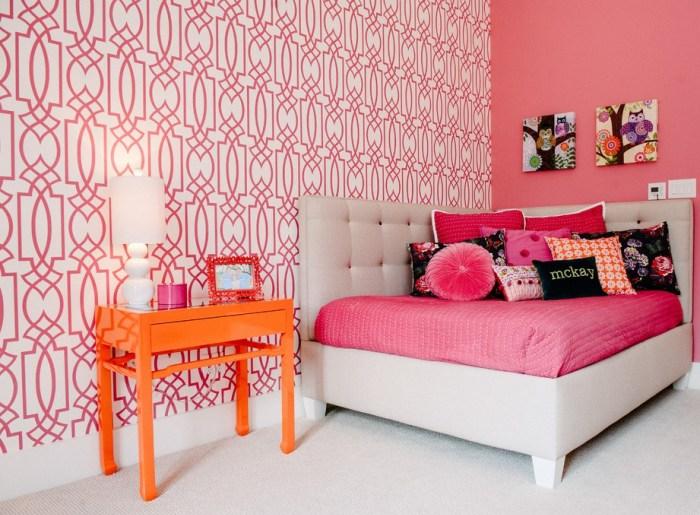 создаем красивый интерьер спальни с обоями двух видов советы