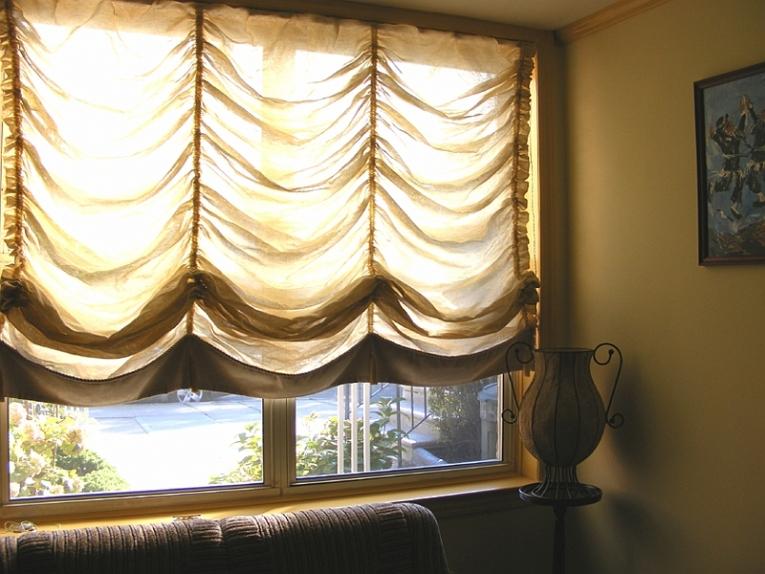 Короткие французские шторы в комнату отдыха