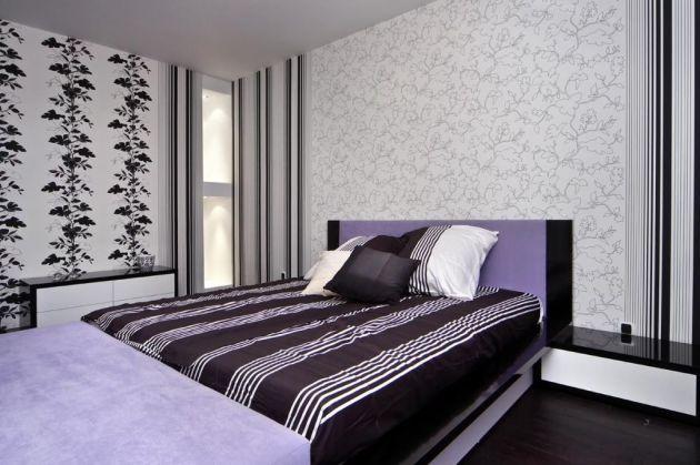 Маленькая оконная вставка создаёт ограниченное поле в комнате, куда может проникнуть световой поток окружающей среды, очень грамотно в данном случае применить комбинацию обоев