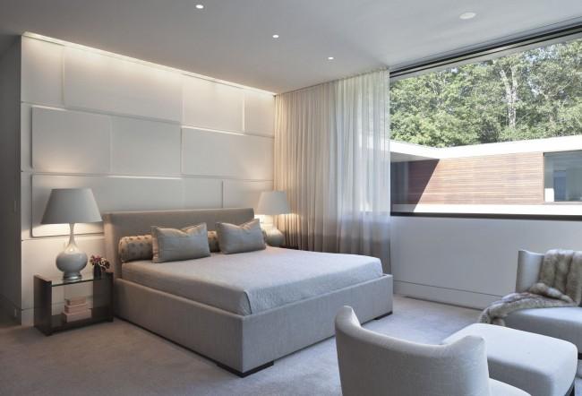 Одноуровневый потолок идеально подойдет для создания интерьера