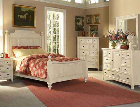 Спальня в стиле прованс в пастельной гамме с яркими цветовыми оттенками