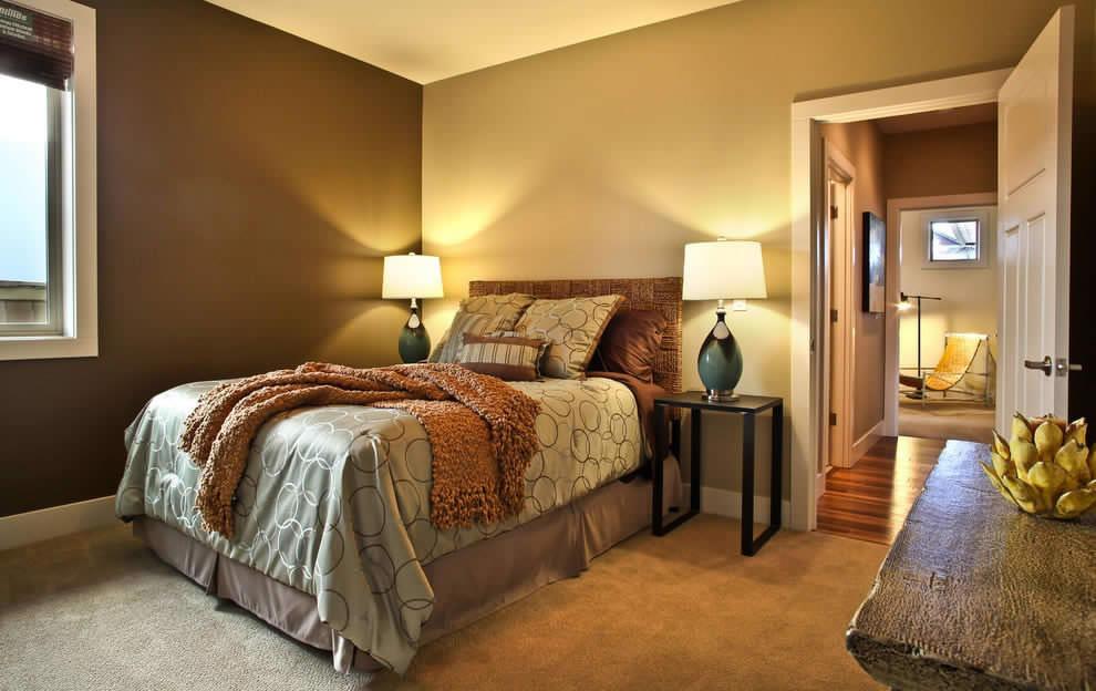 Варианты применения комбинированных обоев в спальне
