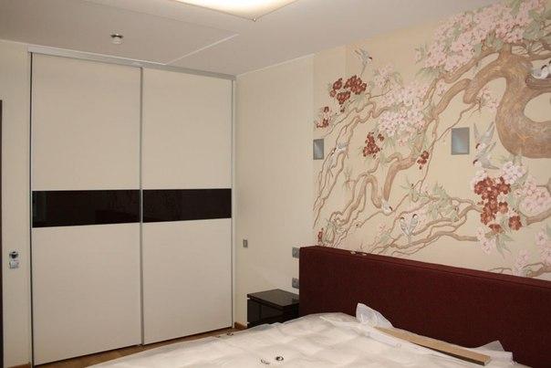Невероятно удобный шкаф в спальне дизайн которого подбирался для максимальной функцональности