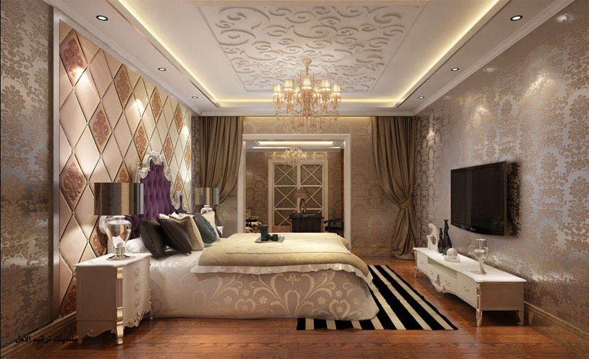 Красивое сочетание трёх типов обоев в огромной спальне